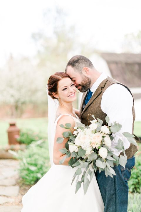 Amazing Couple,  insanely beautiful flowers by V&V's Terri Lavoie at last weekends wedding at The Barns at Hamilton St...