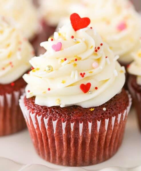 A few more Valentine DIY kits available for Friday or Saturday delivery.6 cupcakes2 different color icings3 different sp...